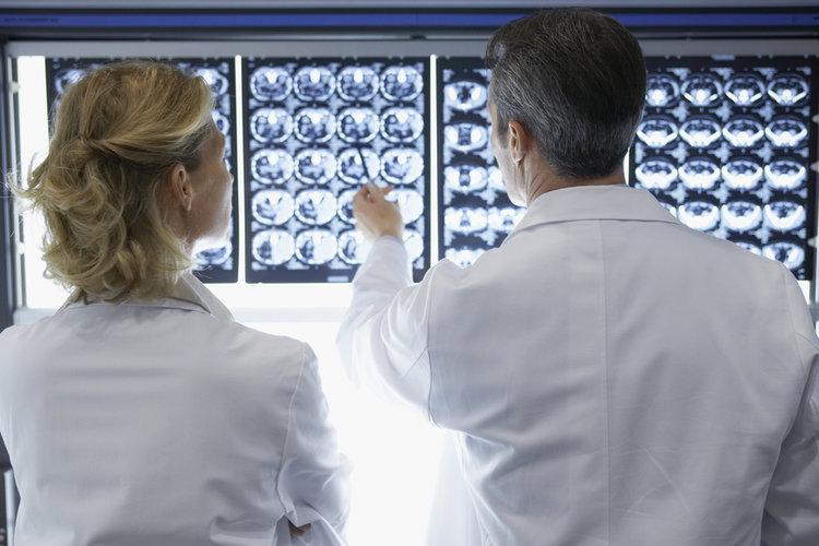 Do I Need a Neurologist or a Neurosurgeon?